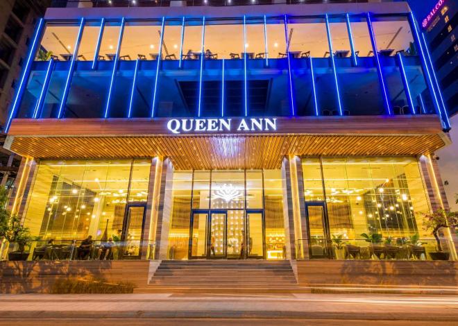 Lối vào Queen Ann Hotel