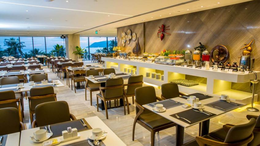 Royal Restaurant Queen Ann Hotel