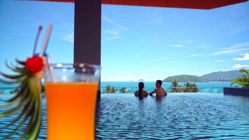 Bể bơi Queen Ann Hotel