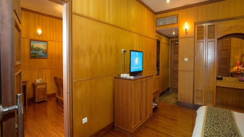 Royal Sea Suite