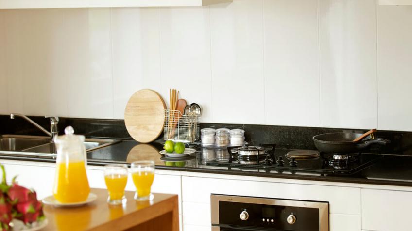 Villa Kitchen (2)