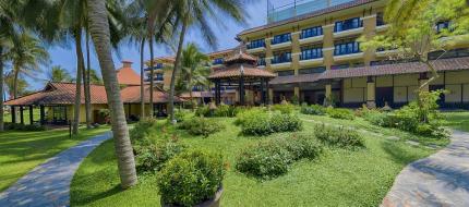 Sân vườn Seahorse Resort & Spa Phan Thiết
