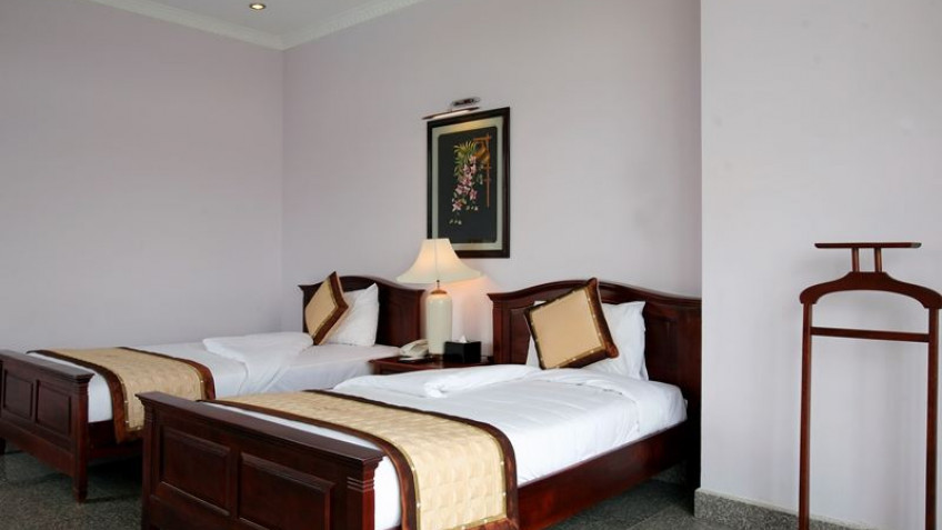 Sông Hồng Resort