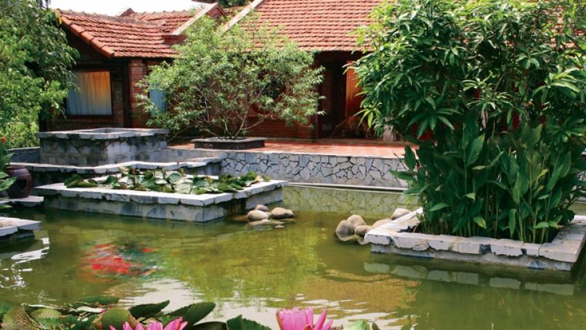 Hồ cá Vạn Chài Resort