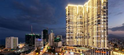 Vinpearl Condotel Empire Nha Trang về đêm