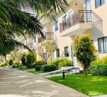 Sân vườn Diamond Bay Condotel Resort Nha Trang