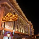 Khách sạn Đà Lạt Du Parc vào buổi tối