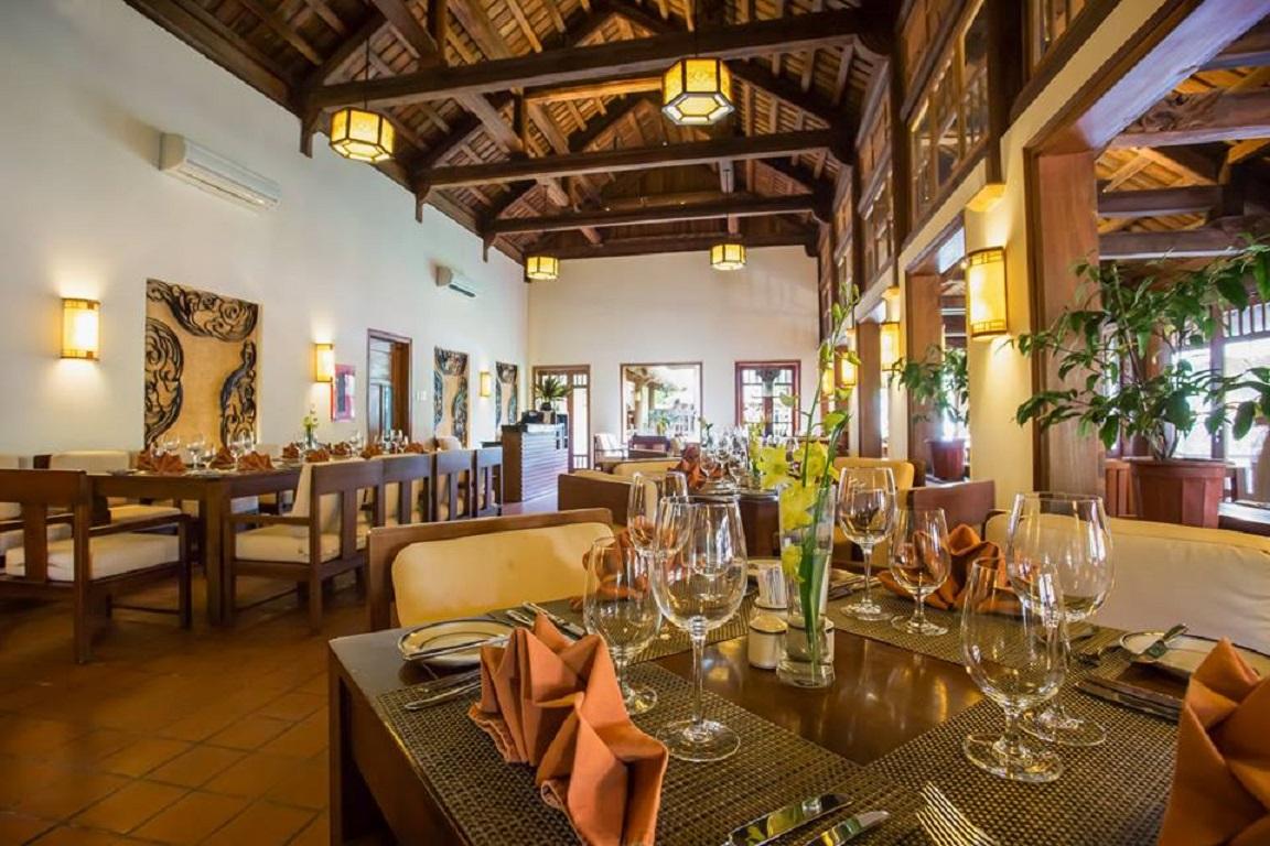 Nhà hàng Emeralda Resort Ninh Bình