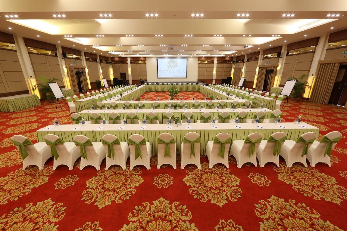 Phòng họp Emeralda Resort Ninh Bình