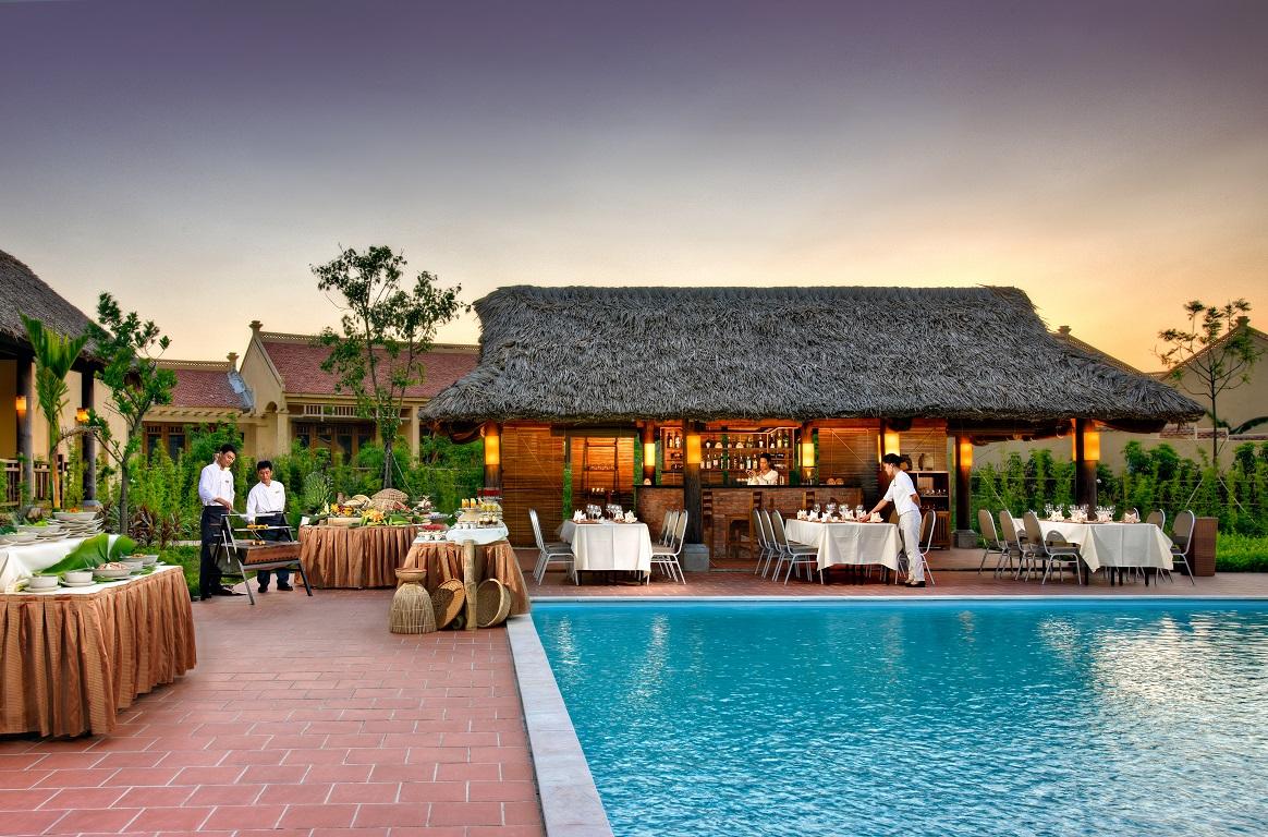 Poolbar Emeralda Resort Ninh Bình