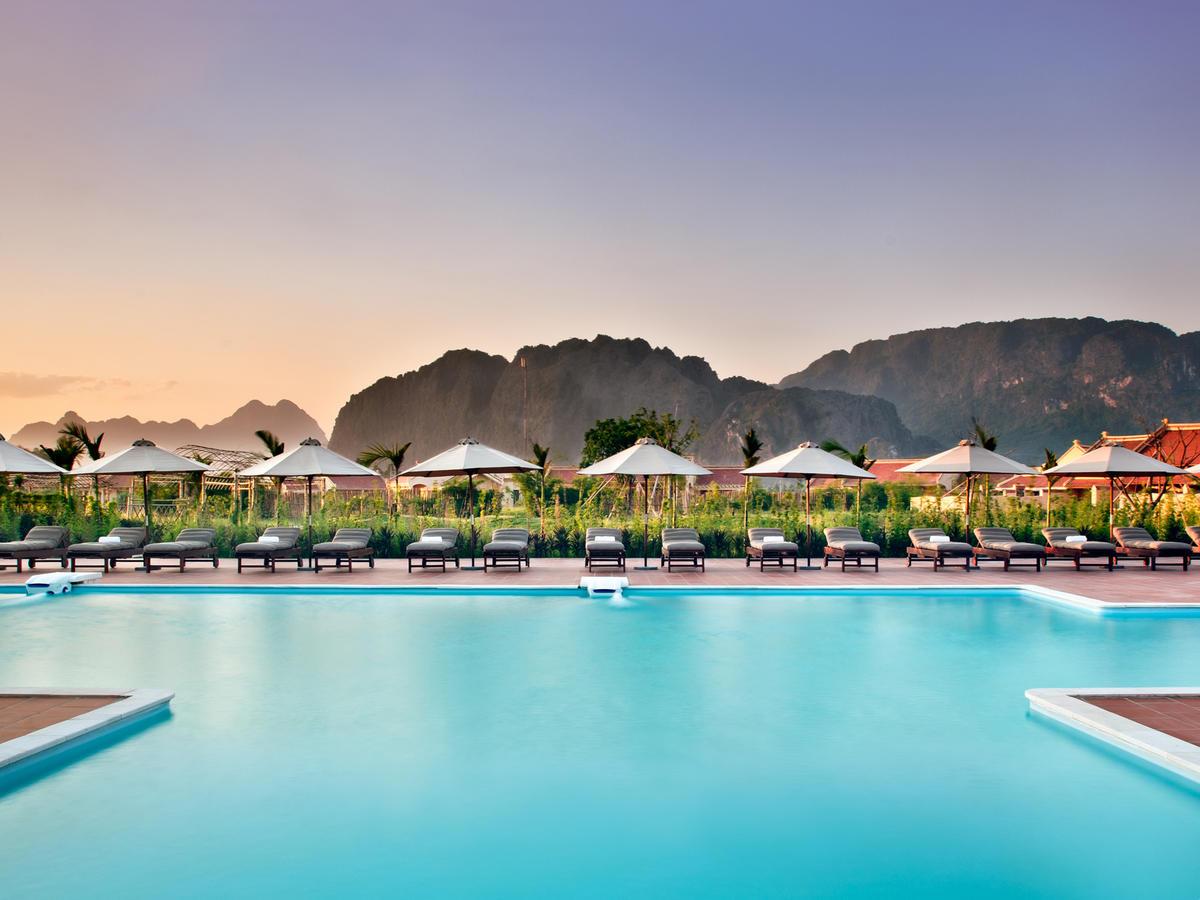 Bể bơi Emeralda Resort Ninh Bình