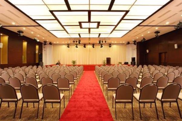 Hội trường CenDeluxe Hotel Phú Yên