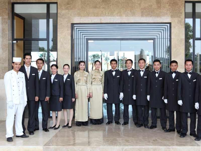 Lối vào CenDeluxe Hotel Phú Yên
