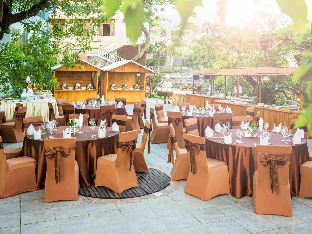 Nhà hàng khách sạn Novotel Hạ Long