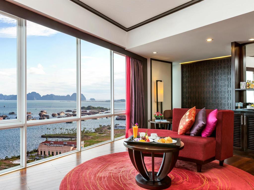 View phòng khách sạn Novotel Hạ Long
