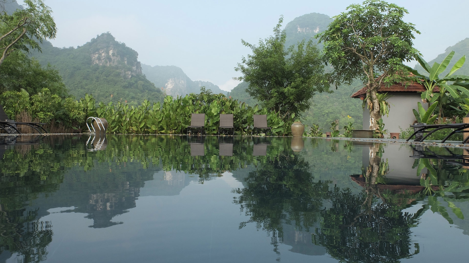 Bể bơi Tam Cốc Garden Resort