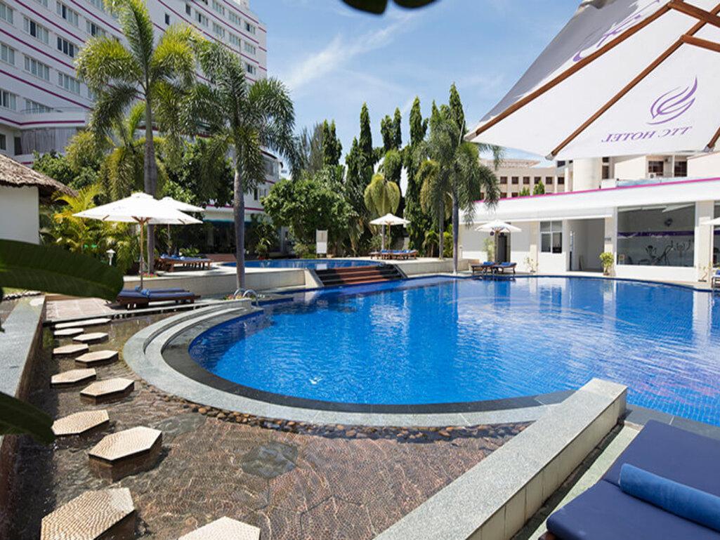 Pool TTC Hotel Premium Phan Thiết