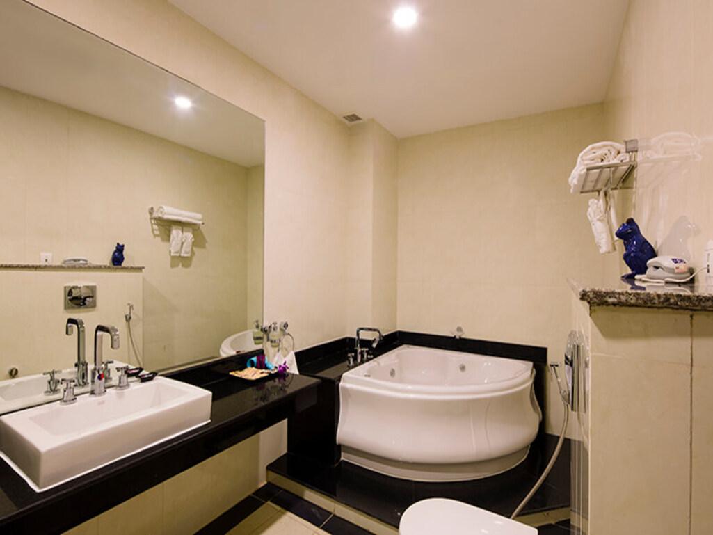 Bathrooom TTC Hotel Premium Phan Thiết