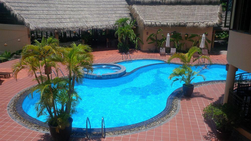 Bể Bơi White Sand Resort Phan Thiết