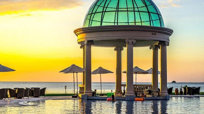 Hồ bơi ngoài trời Vinpearl Resort & Golf Phú Quốc