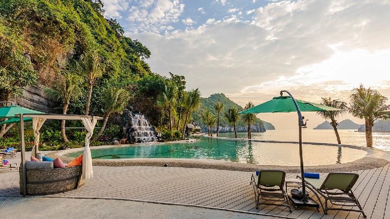 Bể bơi Charm Flamingo Cát Bà Resort