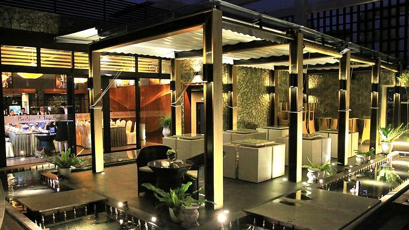 Brilliant Top Bar Vinpearl Condotel Riverfront Đà Nẵng