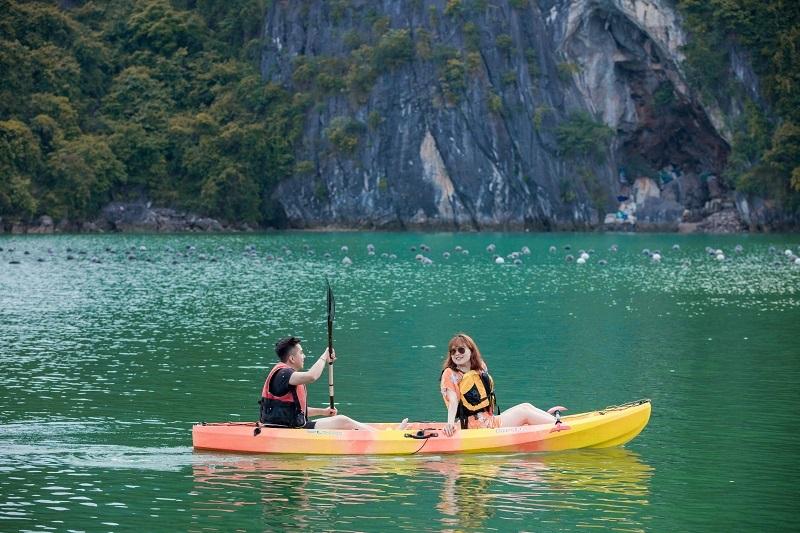 Chèo kayak du thuyền Aquamarine