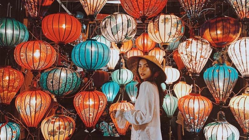 Mua sắm, check in chợ đêm Hội An