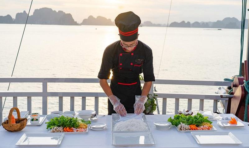 Học nấu ăn trên du thuyền Victory Star