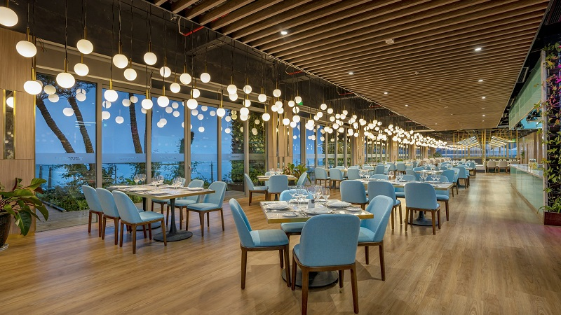 Nhà hàng Lan Hạ Flamingo Cát Bà Beach Resort