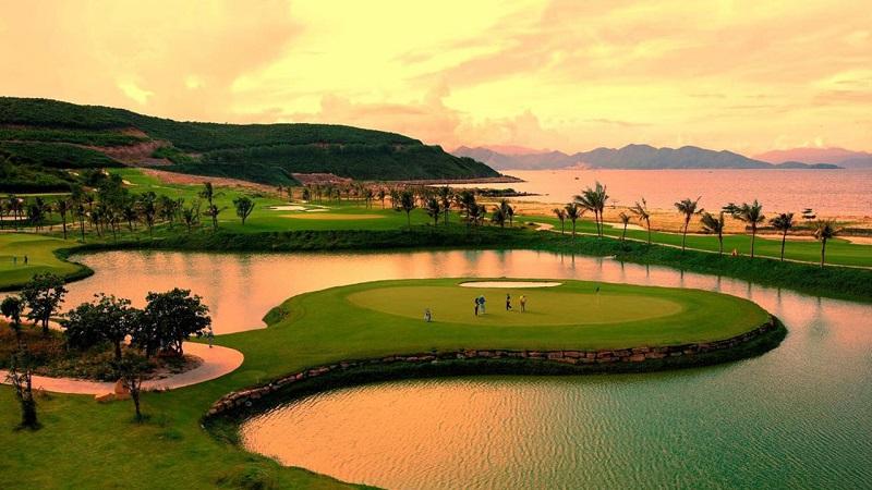 Sân golf Vinpearl Luxury Nha Trang