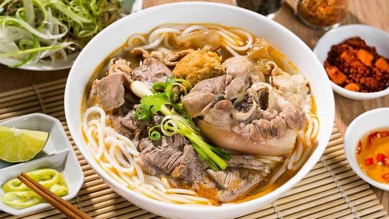 Bún bò O Thi Nha Trang