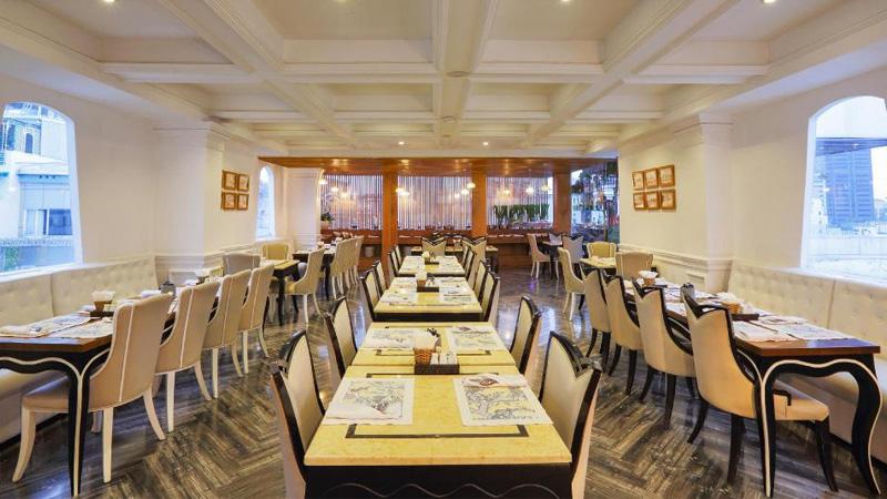 Nhà hàng ở khách sạn A&Em Sài Gòn