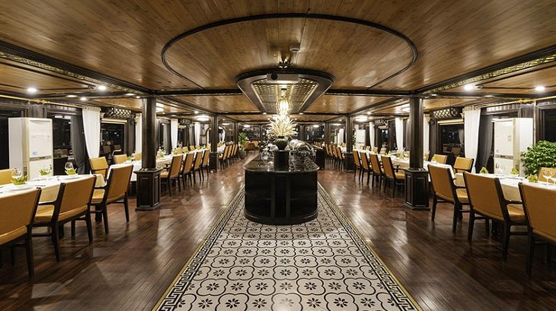 Nhà hàng trên du thuyền Victory Star