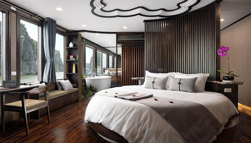 Du thuyền Orchid phòng premium suite balcony