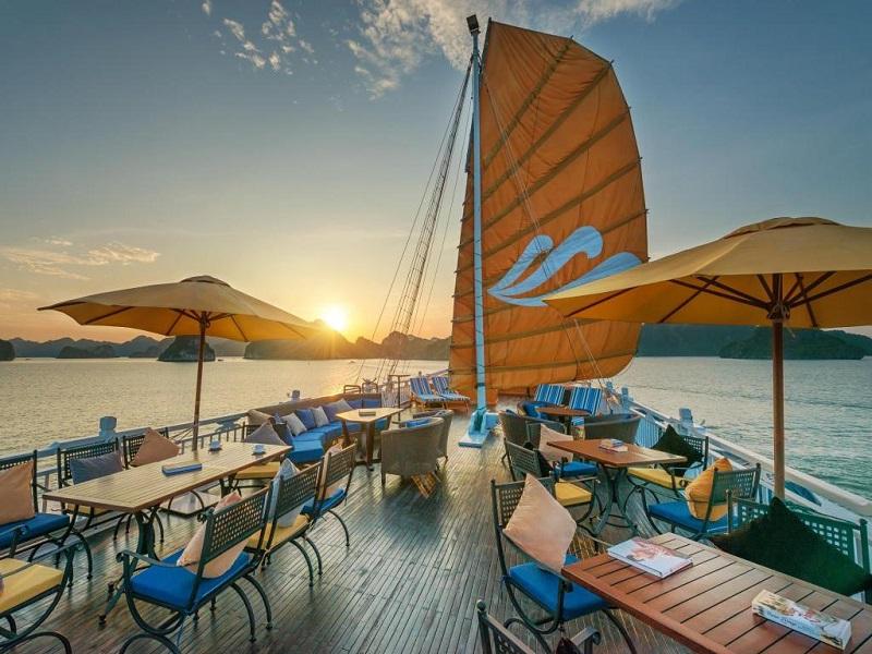 Khu vực sundeck trên du thuyền paradise sails