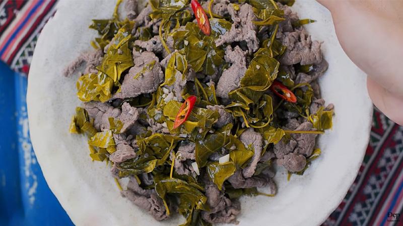 Thịt trâu lá lồm - đặc sản người Mường ở Hòa Bình