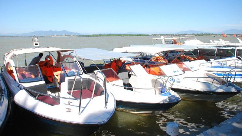 Cano từ cảng Cầu Đá đến Vinpearl Resort & Spa Nha Trang Bay