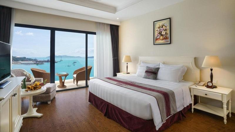 Phòng Deluxe ở Vinpearl Resort & Spa Nha Trang Bay