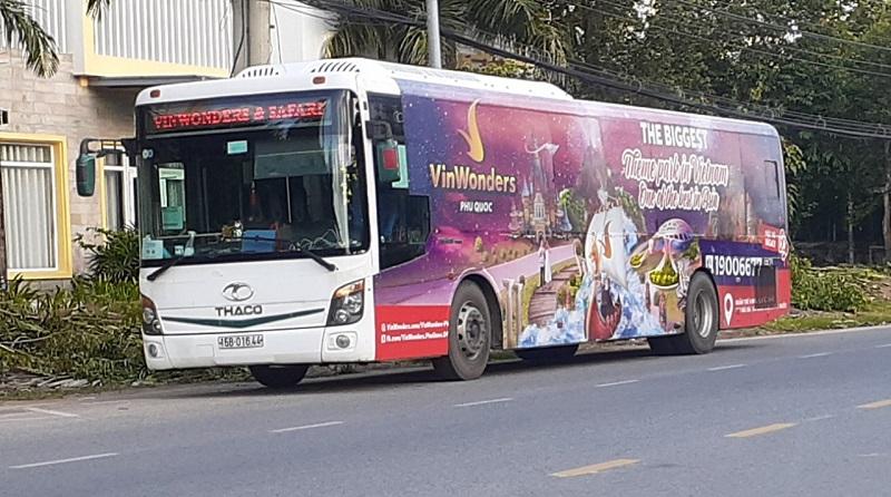 Xe bus VinWonders và Vinpearl Safari