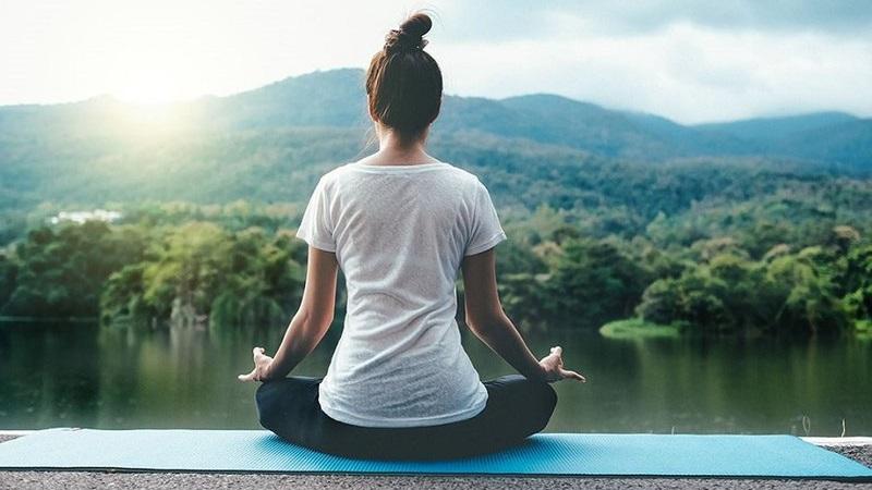 Thiền định và tập yoga ở FLC Grand Hotel Hạ Long