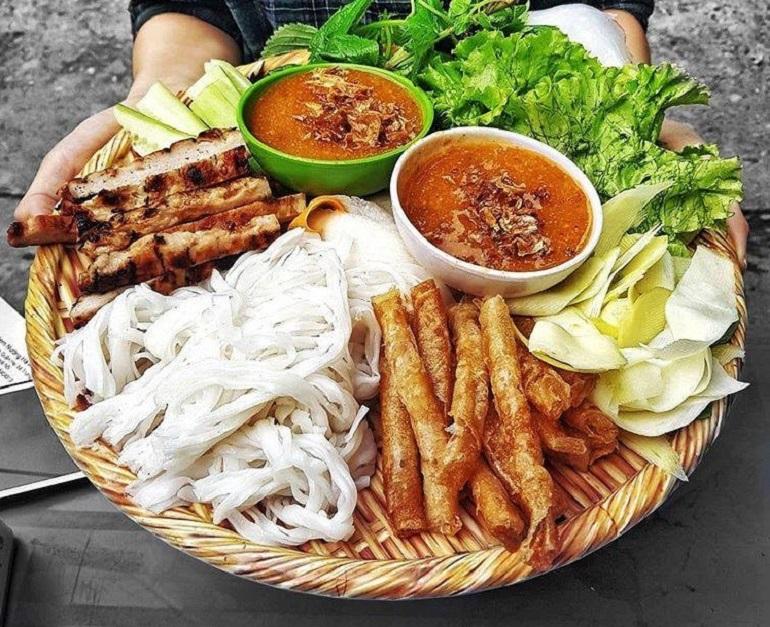 Nem nướng – đặc sản Nha Trang