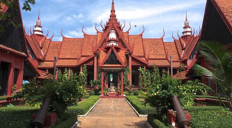 Bảo tàng Quốc gia Campuchia tại Phnom Penh
