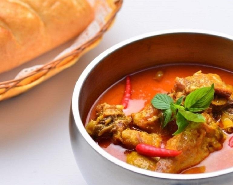 Món cà ri đỏ Khmer