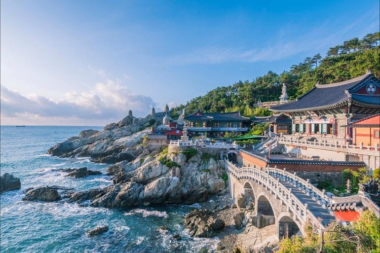 Du lịch Busan Hàn Quốc (chùa Haedong Yonggungsa)