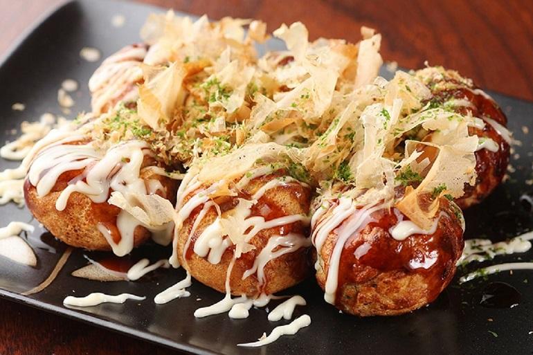 Món Takoyaki - bạch tuộc chiên ngon nhất Nhật Bản