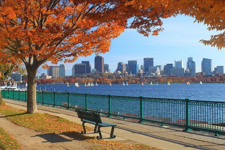Mùa thu bờ sông Charles ở Boston