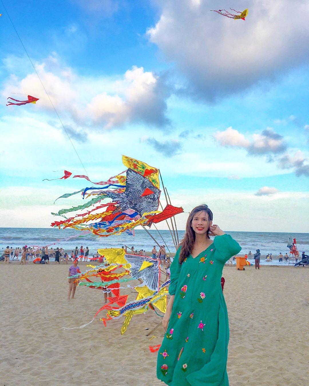 Đặt vé máy bay đi Thanh Hóa check in tại bãi biển Sầm Sơn