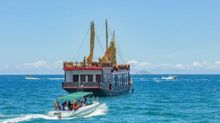 Du thuyền Emperor: khám phá vịnh Nha  Trang 1 ngày