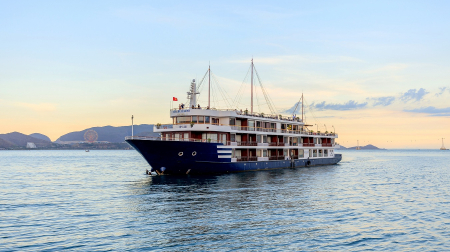Du thuyền Sealife Legend Nha Trang ngắm hoàng hôn
